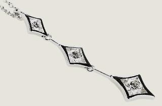 デビアスダイヤモンドネックレス