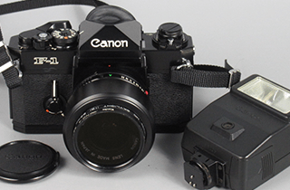 Canon キヤノン F-1 スピードライト付き