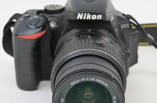 Nikon ニコン D5500 デジタル一眼レフ