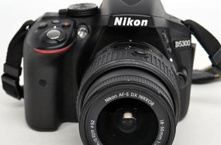 Nikon ニコン D5300 デジタル一眼レフ