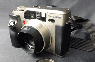 FUJIFILM 富士フィルム GA645Zi フィルムカメラ