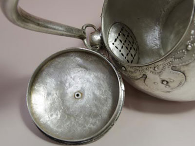 純銀製の銀瓶