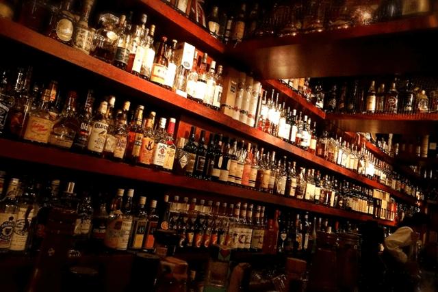 ウイスキー と ブランデー の 違い