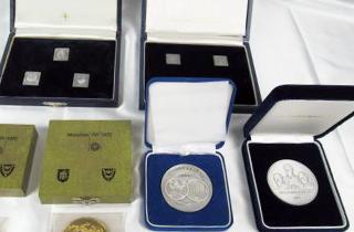 新500円貨幣発行記念メダルなど