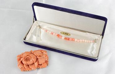 桃珊瑚 和装小物 帯留